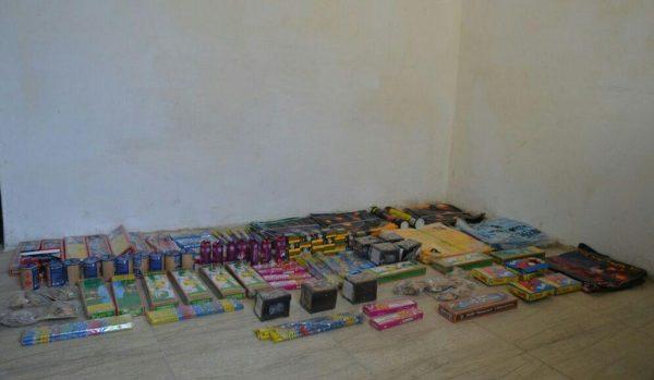 کشف بیش از ۱۱ هزار عدد مواد محترقه غیرمجاز در لاهیجان
